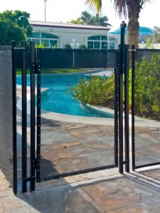 Pool safety gate with Magna-Latch and Tru-Close hinges, Jumeirah, Dubai.